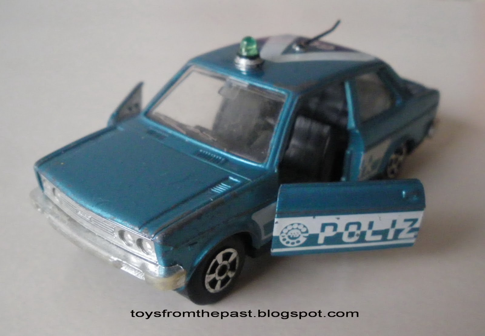 EL76 Fiat 131 Mirafiori polizia (cc-by-nc-nd 3.0 toysfromthepast)