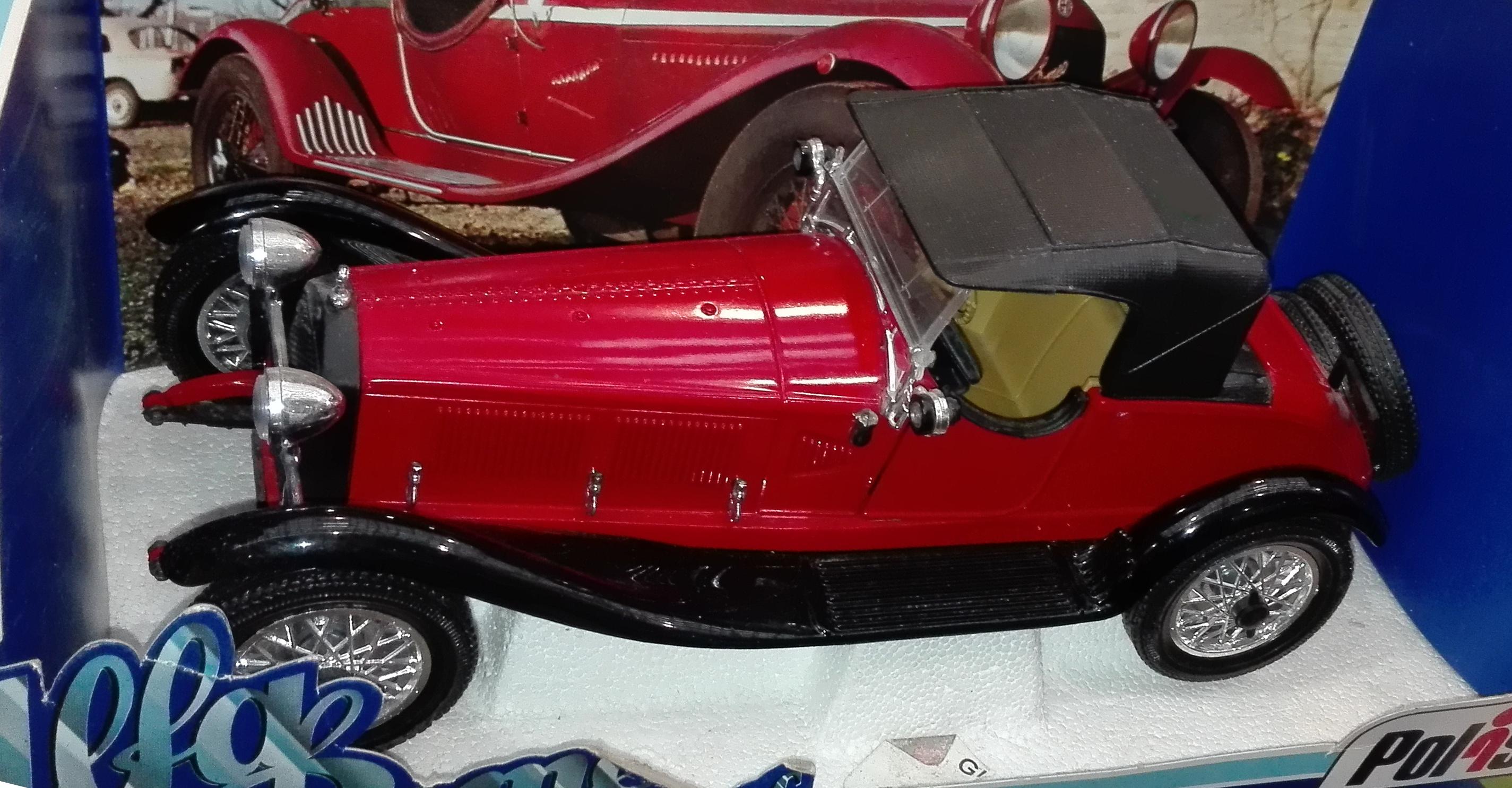 TG7(01103), Alfa Romeo 1750 6c. Millemiglia 1930 guidata da Tazio Nuvolari (cc-by-sa my photo)