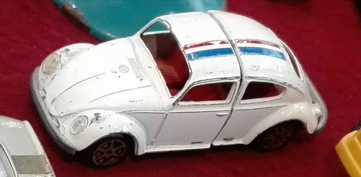 W2, Herbie il Maggiolino tutto Matto. La macchina è allungabile nella sezione centrale