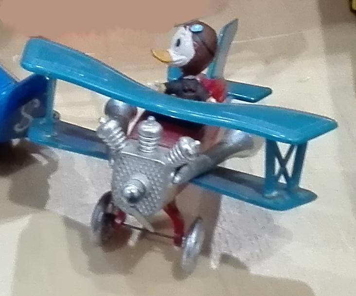 W7, L'aereo di Paperino