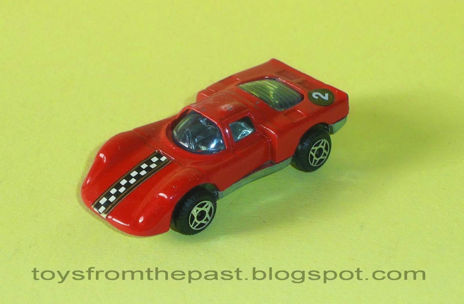 Y16 Alfa Romeo 33 (cc-by-nc-nd 3.0 toysfromthepast)
