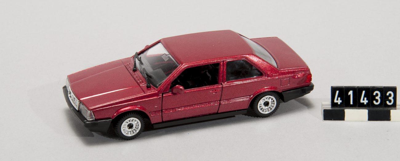 5308, Volvo 780 coupe bertone (cc-by-nc-nd 2.5 Tekniska museet, Svezia)