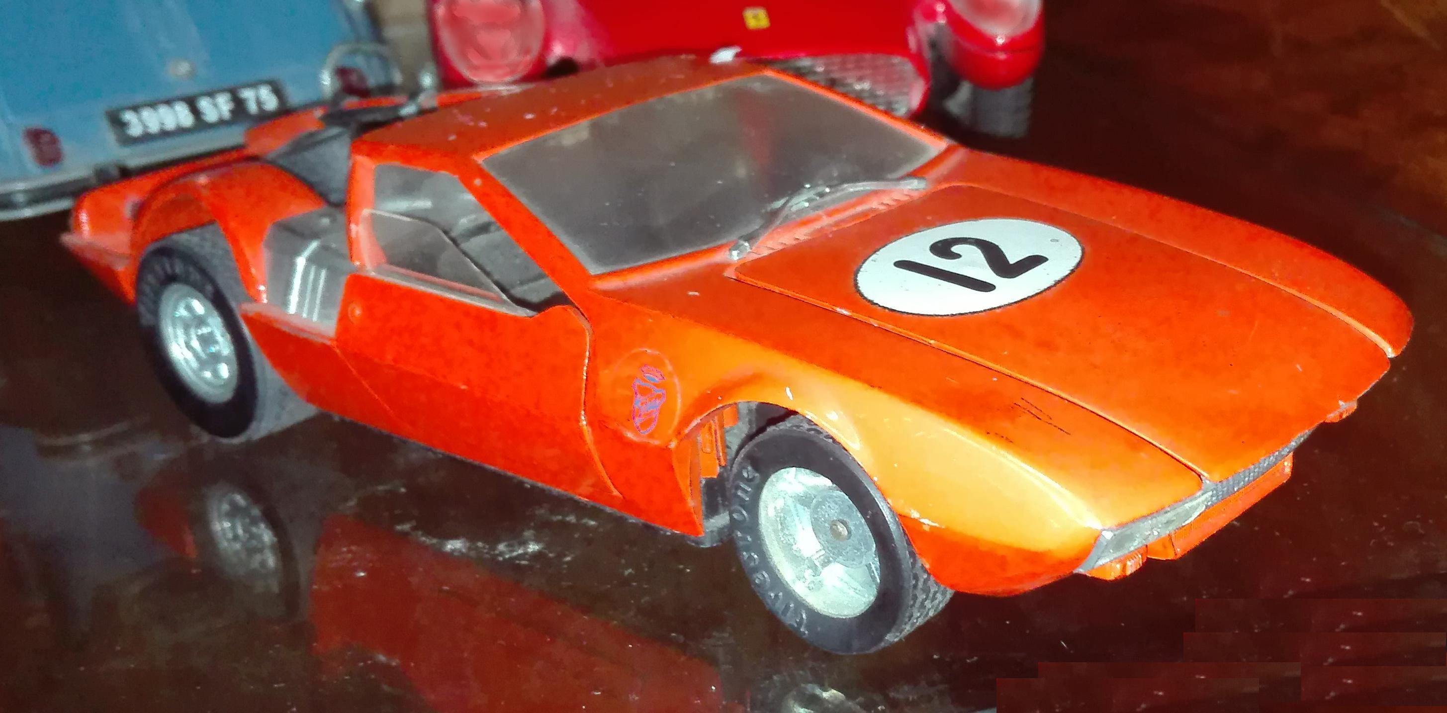 De Tomaso Mangusta 5000 Ghia, M576, Politoys. Scala 1:25. cc-by-sa Arosio Stefano